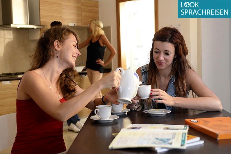 Gastfamilie, Apartment-WG oder Residenz – welche Unterkunft soll ichbuchen?